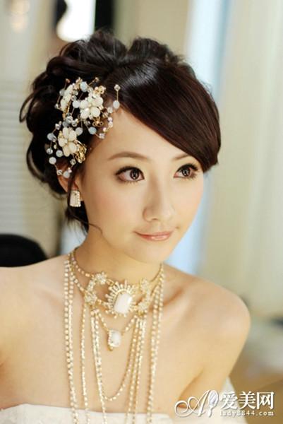 简单实用的浪漫盘发令新娘更唯美图片
