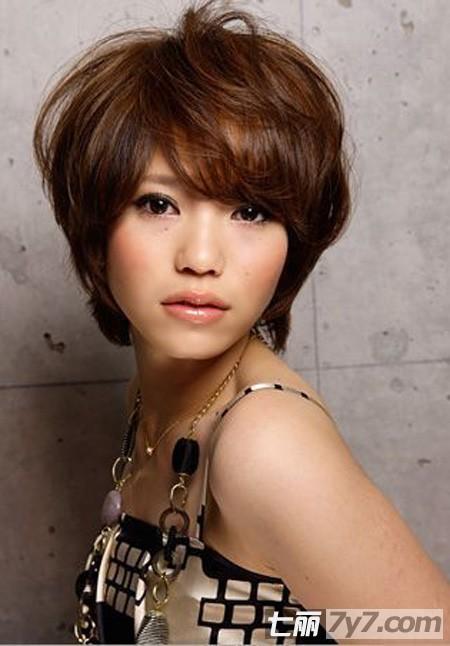 初夏非主流女生短发发型 女生蘑菇头无与伦比最俏皮