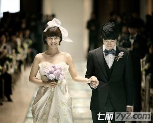 韩式中短发新娘发型造型婚纱照