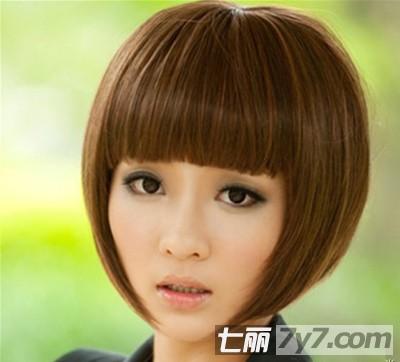 2012夏季瘦脸短发发型 清新减龄完美修颜图片