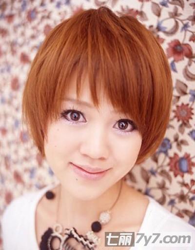 2012初秋最新的女生短发发型图片