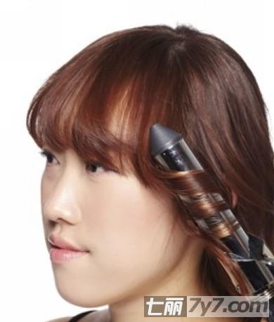 适合圆脸的发型 简单韩式编发大波浪卷发教程