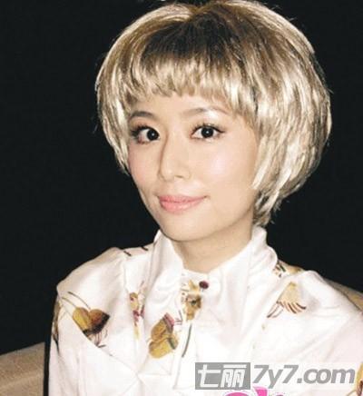 短发发型 个性帅气独特充满女人味 小编点评:林心如这款白发魔女的