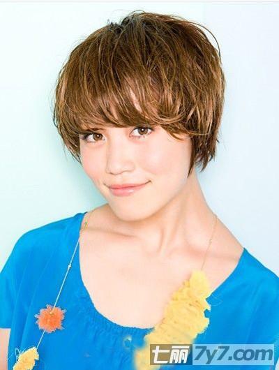 2013年短发蘑菇头瘦脸发型 最新设计打造完美锥子脸