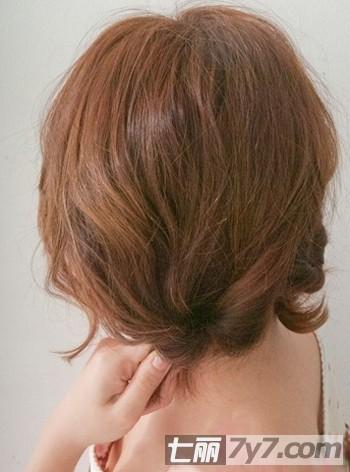 短发发型简单扎法步骤详解 诠释韩式小清新美发