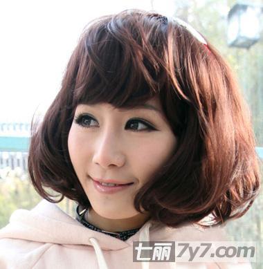 圆脸必知最新显瘦减龄发型 可爱韩式短卷发