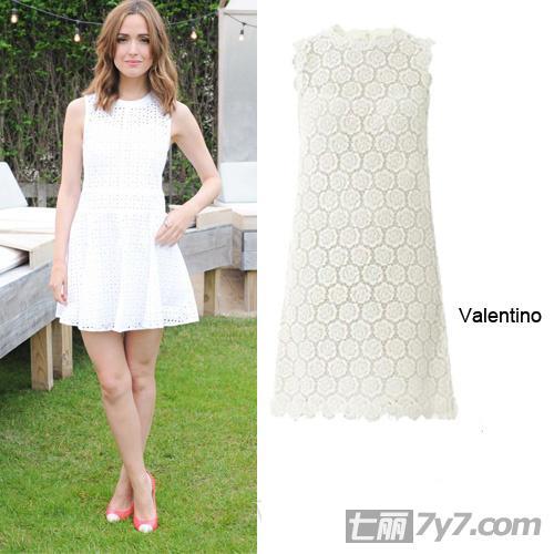 夏季白色连衣裙 纯色服装心机搭配技巧