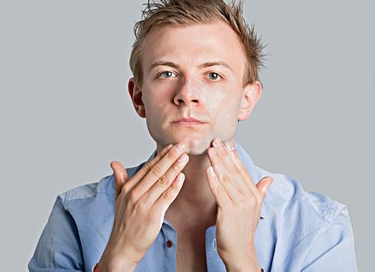 男人護膚控油是重中之重