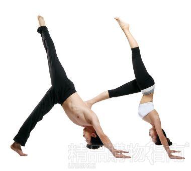 雙人瑜伽 單腿上提下犬式